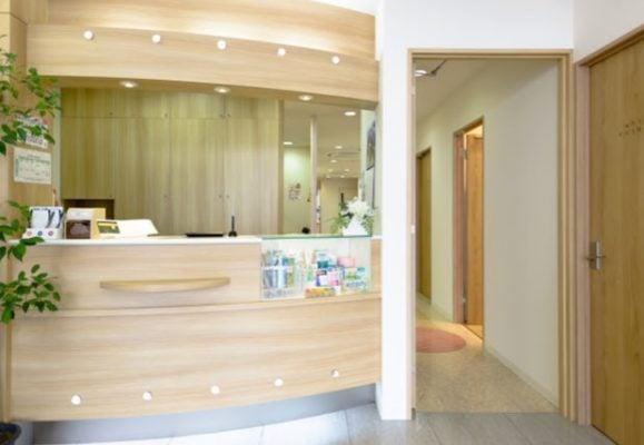 ホワイトエッセンス茨木(岡田歯科医院)